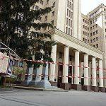 ВХарьковской ОГА милиция ищет взрывчатку