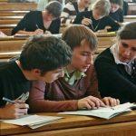 Нас хотят оставить без дипломов— Студенты ПСХА